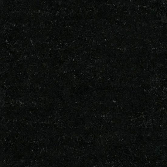 FUTURISTIC BLACK UM10